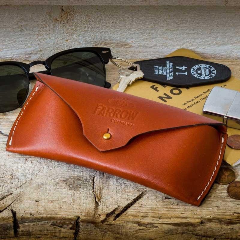 Etui à lunettes cuir brun - Farrow Co - made in USA - Le Comptoir ... 03b325595baa
