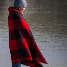 Buffalo Plaid Fringe Wool Throw - Heather Red/Black